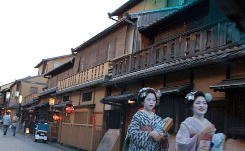 京都漫畫博物館  ★  一澤信三郎帆布  ★  鴨川納涼床用餐體驗
